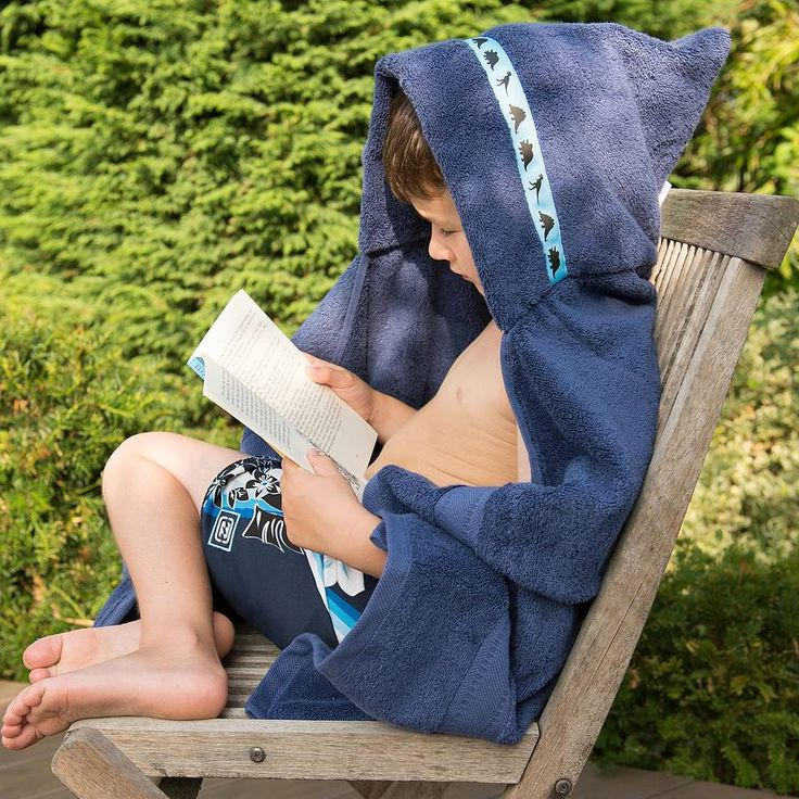 Our coloured hooded towels are 600g Egyptian cotton, so super soft and absorbent. They come in navy blue with a lovely choice of colourful trims. Our coloured hooded towels are available with four different 'boy' trims: Blue dinosaurs Monsters & aliens Orange pirates Traffic jam Please see our other products for 'girl' trims! Our towels are adult-sized with a hood so suitable for children aged 12 months up until they stop wanting to wearing a hood! As well as the generous double ...