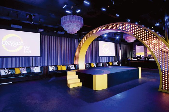 7 tips for small stages with big impact event - Fashion show stage design architecture plans ...