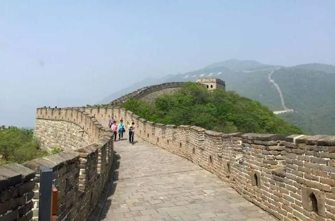 Mutianyu Great Wall Day Tour from Guangzhou to Beijing by Air This full-day tour from Guangzhou to Beijing by air gives you the opportunity to visit Mutianyu section of world-famous Great Wall of China and also a cloisonne factory that introduces you one of the most well-known traditional arts and crafts in China. This tour includes one-way or round-trip airfare for you to travel between Guangzhou and Beijing.Take the flight from Guangzhou Baiyun International Airport and upon...
