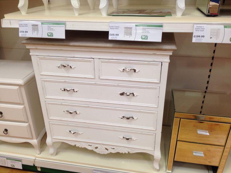 Lovely et of drawers