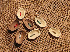 Мастерим пуговицы из скорлупы фисташковых орехов   Ярмарка Мастеров - ручная работа, handmade