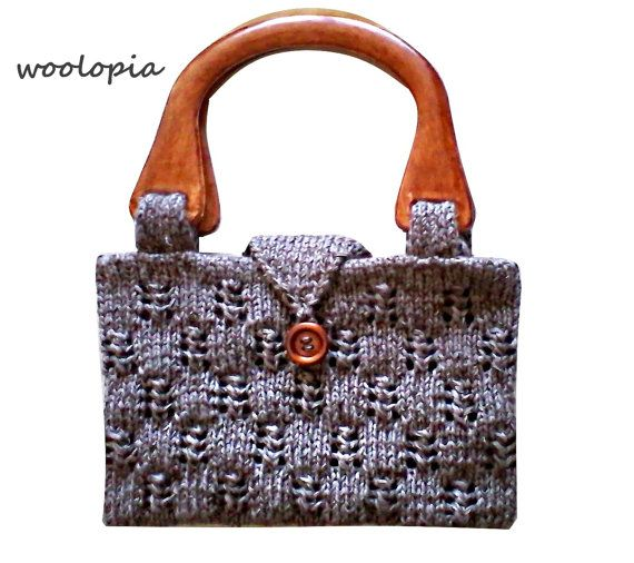 Hey, I found this really awesome Etsy listing at https://www.etsy.com/listing/256007015/hand-knitted-purse