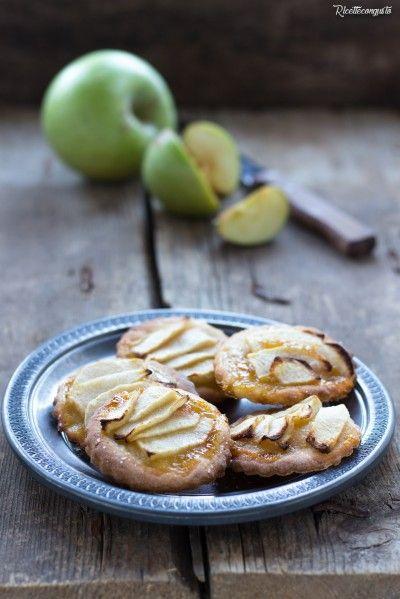 Dolcetti alla ricotta e cannella con mele e marmellata