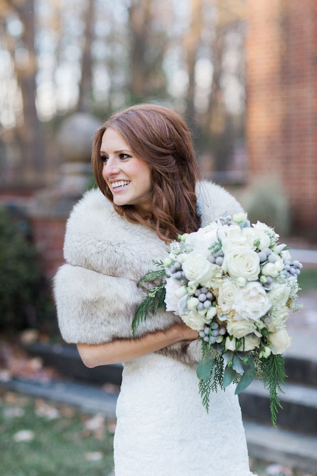Glamorous Winter Wedding with Gold and Silver Hues