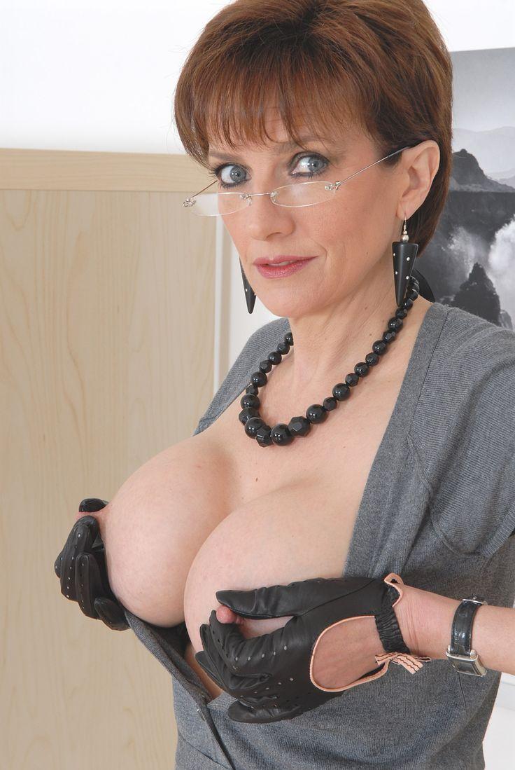 Adorable. www british lady sonia com
