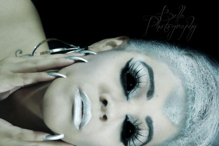 portrait, portrait photography, alien makeup, alien, cyborg, cyborg makeup, halloween, halloween makeup, halloween photoshoot, plus size modeling, modeling, model, curvy, outdoor photo shoot, indoor photoshoot, photo shoot ideas, jasmine plus model