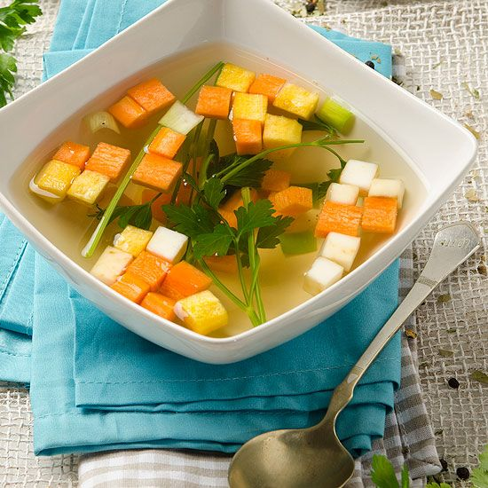 Klare Gemüsesuppe / Suppen / Rezepte / Produkte & Online Einkaufen - Sonnentor
