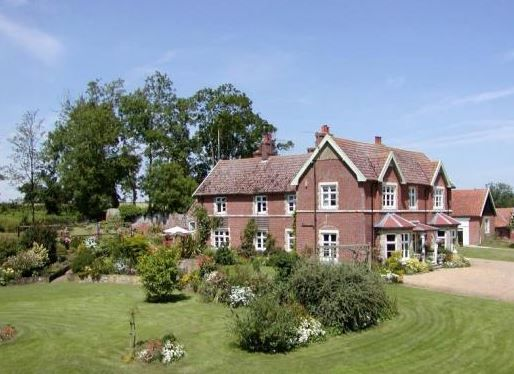 Earsham Park Farm Bungay Suffolk Sleeps 1