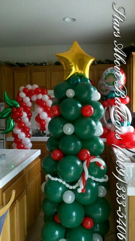 17 best images about christmas balloon decor on pinterest for Candy cane balloon sculpture