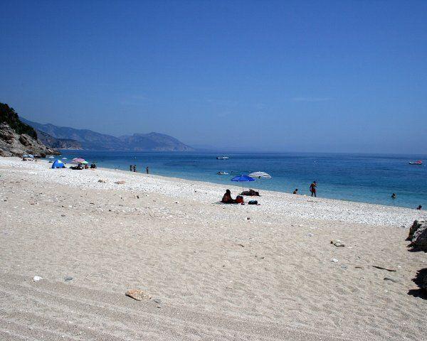http://www.saporidogliastra.com/html/italiano/escursioni_in_ogliastra/il_litorale_di_baunei_e_il_golfo_di_orosei.html