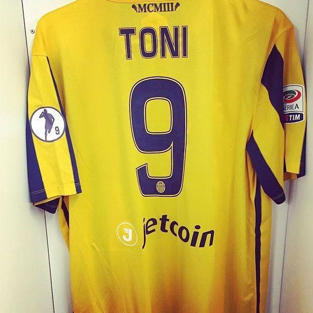 9 Luca #Toni #Verona