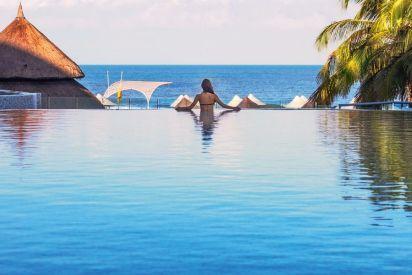 Infinity pool fantasy fulfilled at Las Americas Beach Resort & Spa