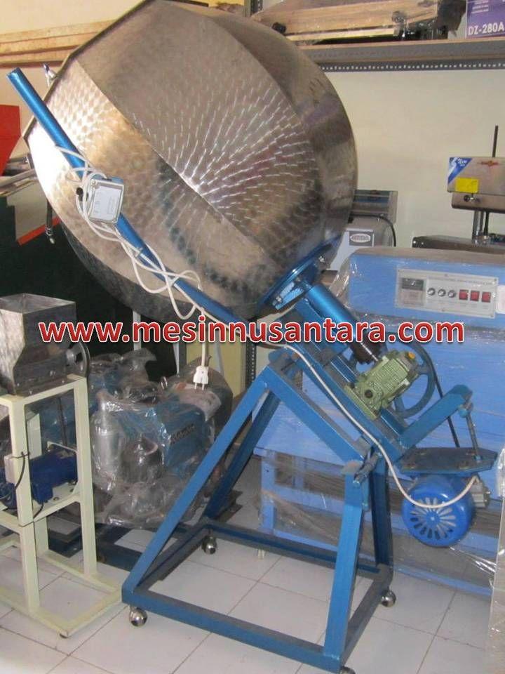 Mesin Pengaduk Bumbu adalah mesin yang digunakan untuk mengaduk bumbu kering pada makanan, seperti mencampur bumbu pada makroni dan sejeninya. Spesifikasi : Kapasitas : 15 – 20 kg/ proses Bahan : Stainless steel Dimensi : 90 x 70 x 150 cm Penggerak : Dinamo 0,5 Hp, 350 W Proses : 10 – 15 menit