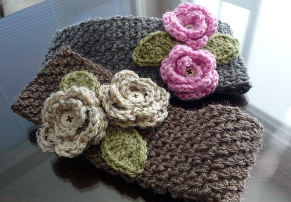 Wide Headband Free Crochet Pattern | headband is 17 stitches wide, the taupe band is 15 stitches wide