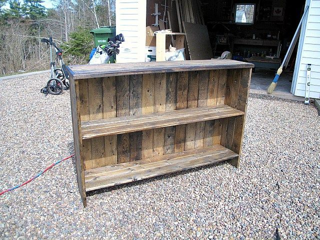 DIY Rustic Bookshelf
