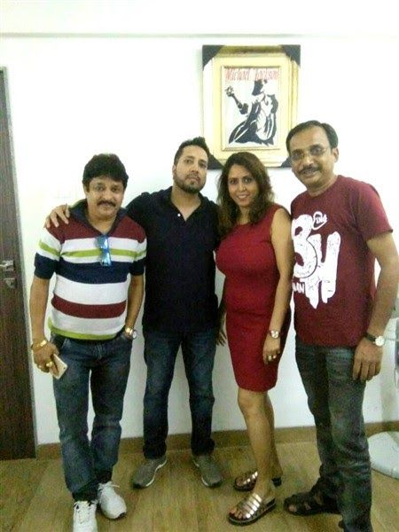 """MIKA SINGH RECORDS A SONG """"JAY JAY INDIA"""" FOR THE FILM """"TEZ RAFTAAAR""""  Kings Entertainment  Presents  Kaushik Goon & Kingshuk Goon's  Presents  """"Tez Raftaaar""""    http://www.spanishvillaentertainment.ml/2018/03/mika-singh-records-song-jay-jay-india.html"""