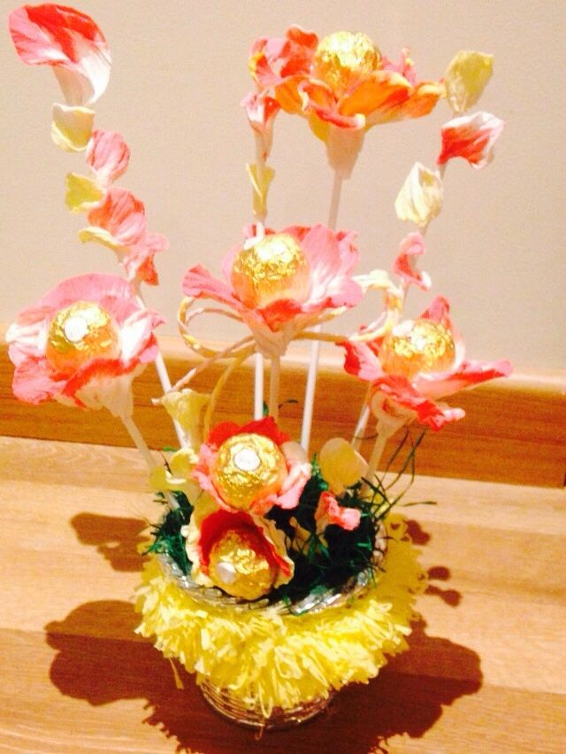 Ferreo Rocher Chocolate Bouquest. Decorated using Handmade orikato flowers. Price-400
