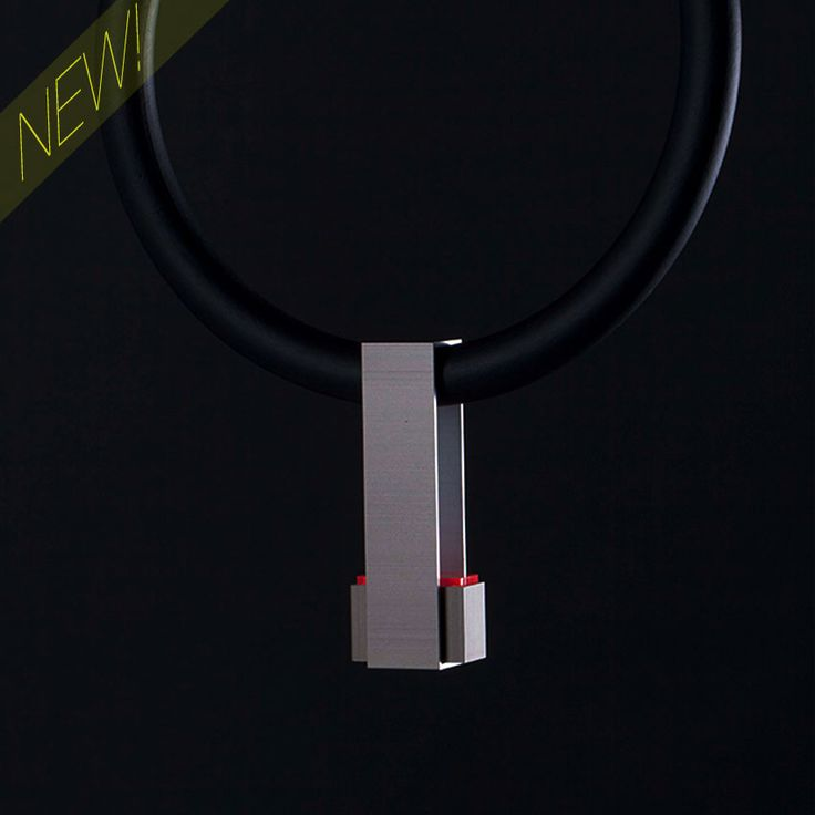 #Ultralight aluminium #necklace.  Aluminio anodizado, metacrilato y espuma de poliuretano. Medidas: 20x20x20 mm