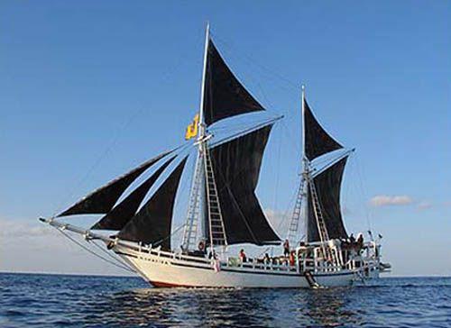 Perahun Phinisi, Ikon Kota Makassar