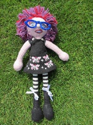 Nicole de Boer | Strikkedukker | knitted Arne & Carlos doll