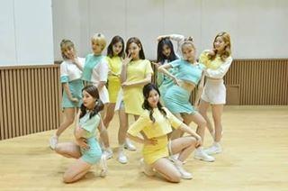 TWICEcoaster: Lane 1 TWICE Jadi Album Girl Grup K-Pop Terlaris Sepanjang Masa menurut Hanteo - Follow @kutipan.korea - TWICE kembali mencetak rekor yang mencengangkan dengan album baru mereka.  Sejak dirilis hingga hari ini album fisik TWICEcoaster: Lane 1 telah mendapatkan angka penjualan yang sangat besar.  Album ini dirilis pada akhir bulan Oktober lalu bersamaan dengan musik video TT. Hanteo dan Gaon kemudian mengungkapkan rekor yang telah dipecahkan oleh TWICE dengan album tersebut…