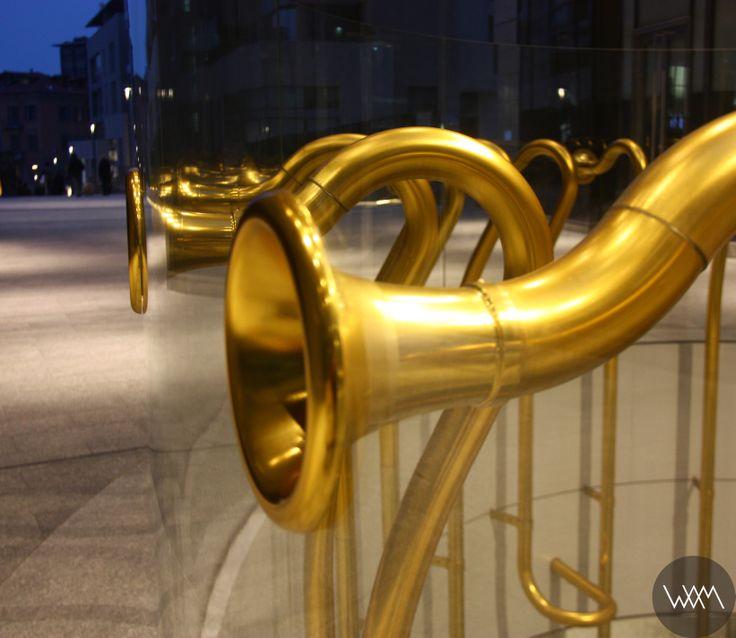 Alberto Garutti, Piazza Gae Aulenti, Milano www.waamtours.com