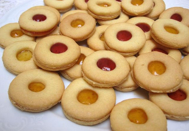 Colorful, Festive Moroccan Jam-Filled Sandwich Cookies: Moroccan Cookies with Jam