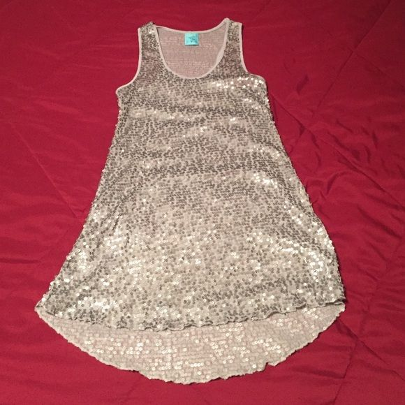 H.I.P Sequined Tunic Tank Sexy Silver sequin tank. Never worn/NWOT. Wear with light tank or cute bra/bandeau. Sure to be a head turner!!! H.I.P Tops Tank Tops