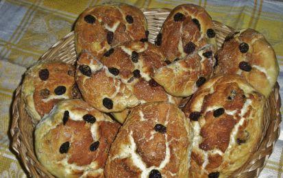 Pane con l'uvetta - Un piatto autunnale buonissimo da servire nella sua versione dolce, vediamo come fare!