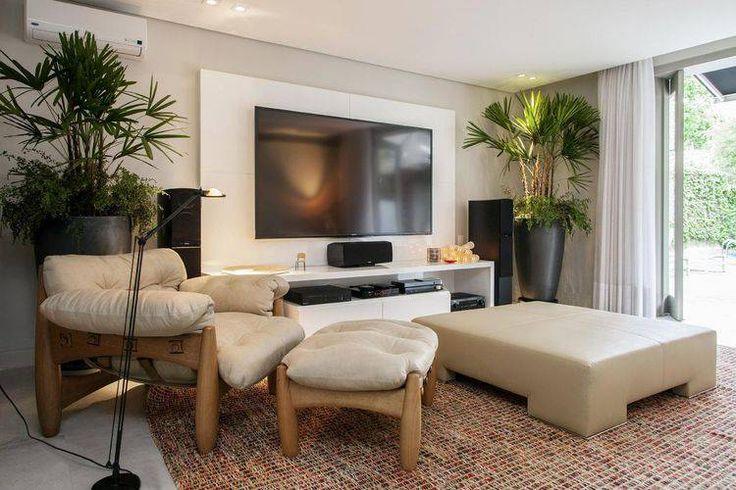Painel de TV - Confira algumas dicas para decoração de sala com o uso de um painel para tv. O painel é peça importante e deve harmonizar com o restante da sala! Veja mais