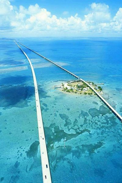crossbreed:  洋上に伸びる楽園へ続く橋『セブンマイルブリッジ』 | 世界遺産・絶景まとめ-Wondertrip