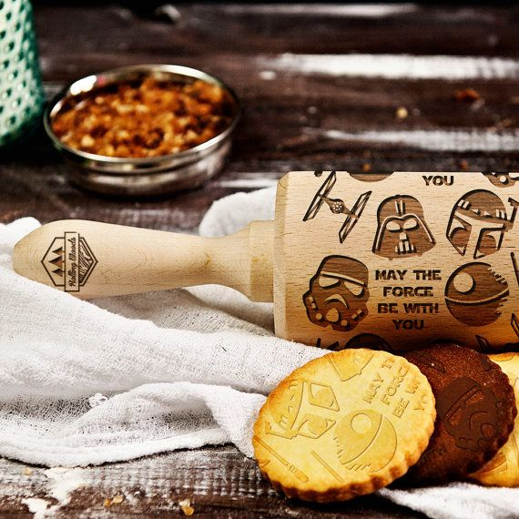 Create incredible patterns on your cakes and cookies with one sweep of a rolling pin! You will effortlessly create fantastic cookies with various