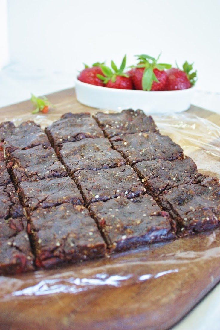 Raw Brownie or homemade CLIFF bar