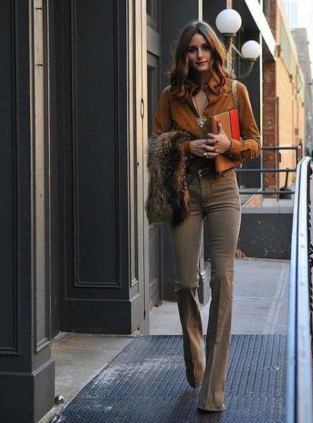 it girl olivia Palermo, camicia in seta marrone stola in eco pelliccia