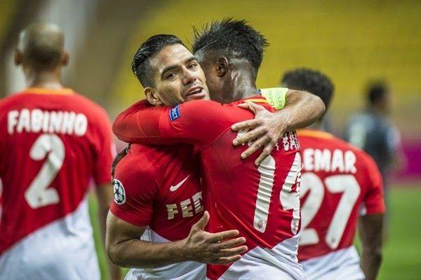 http://ift.tt/2jtT6X6 - www.banh88.info - Kèo Nhà Cái W88 - Nhận định bóng đá Amiens SC vs AS Monaco 2h45 ngày 18/11: Gây sức ép  Nhận định bóng đá hôm nay soi kèo trận đấu Amiens SC vs AS Monaco 2h45 ngày 18/11vòng13 Ligue 1 sânStade de la Licorne.  Paris Saint Germain đang dẫn đầu Ligue 1 với sức mạnh không gì cản nổi. Tuy nhiên đương kim vô địch AS Monaco không hề có ý định bỏ cuộc trong việc bảo vệ ngôi vương. Những gì mà Monaco có thể làm lúc này là tận dụng lợi thế thi đấu sớm của mình…