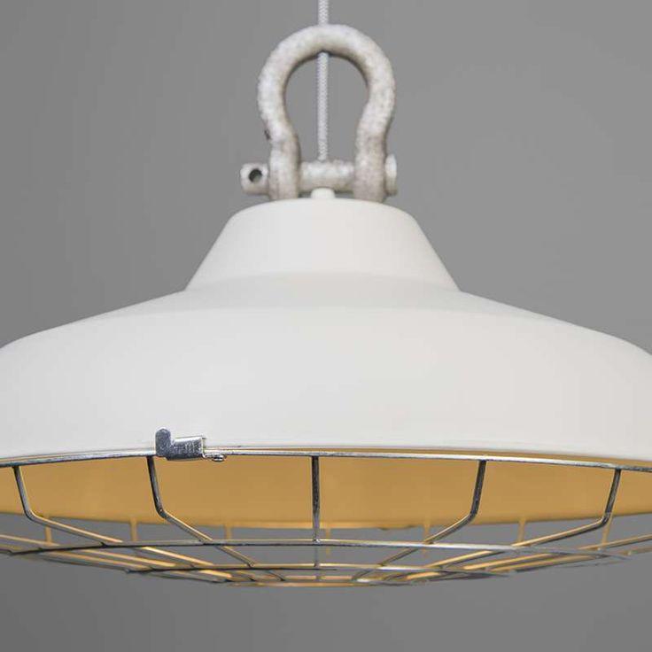 Hanglamp Strijp wit - Kap hoogte 30 cm € 90,-