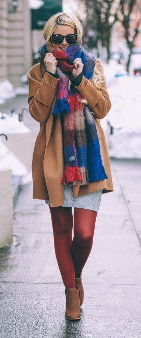 #winter #fashion / Barna kabát / csíkos sál / szürke szoknya