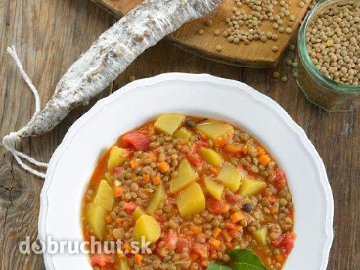 Polievka zo šošovice a koreňovej zeleniny