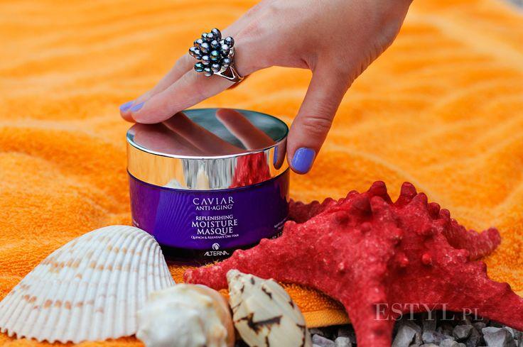 """Maska do włosów #Alterna #Caviar #Replenishing #Moisture #Masque jest zabiegiem silnie nawilżającym każdy rodzaj włosów. Kosmetyk wypełnia strukturę włosa, odmładza włosy kruche, dodając im miękkości i blasku. Polecam kosmetyk włosom suchym i odwodnionym, łamliwym, koloryzowanym i """"puchatym"""". Kosmetyk wchłania się we włosy niemal natychmiast, nie pozostawiając na powierzchni białych śladów."""