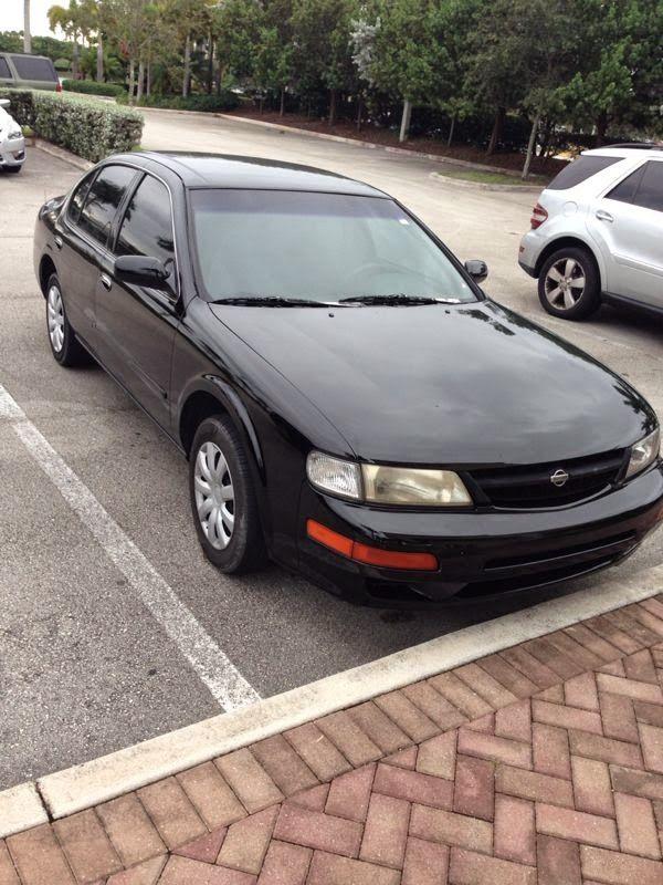 CARS ON FOR SALE 1999 Nissan Maxima Sedan