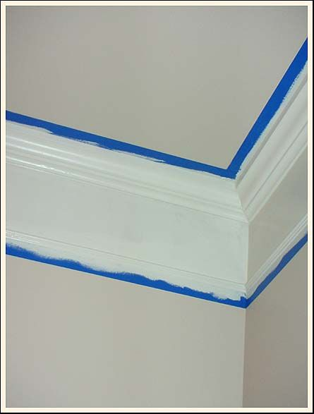 DIY - How to create deep (faux) crown molding...similar to the faux base board. Such a simple & handy trick!