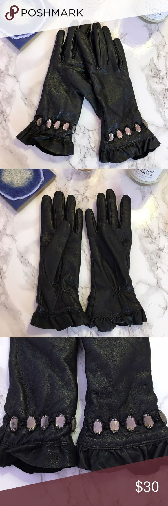Offer Me🥂NWOT Black Faux Leather gloves Black faux leather gloves with gorgeous gem and ruffle detailing. If you have petite hands, these are perfect for you! They have a fleece-like lining on the inside. Well structured gloves. Size Small. Accessories Gloves & Mittens
