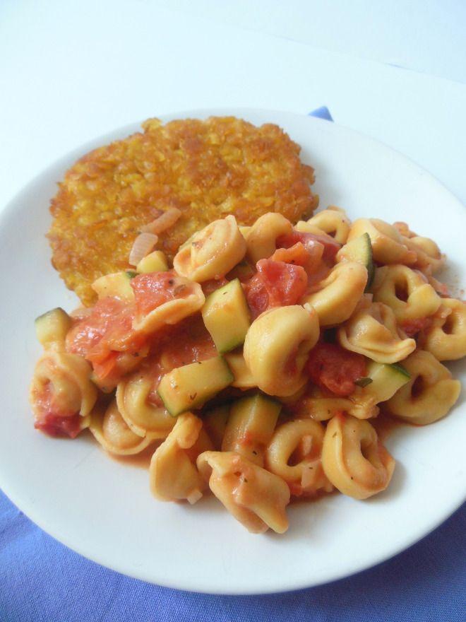 Tortellini met groente saus en kip krokant schnitzel