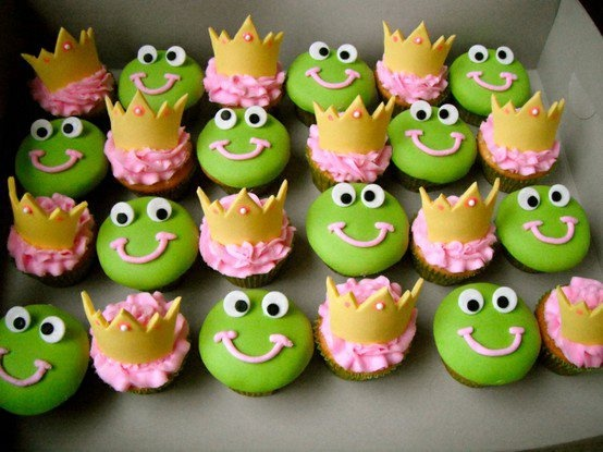 Frog Prince cupcakes... bake them when your friend is getting over a sad break up with a boyfriend