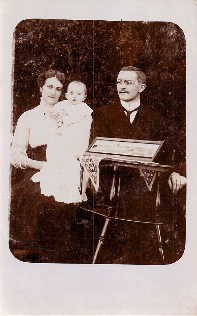 Alt Banzin /KORDESHAGEN Kr. KÖSLIN Paar mit Kleinkind 1914 Taufe?
