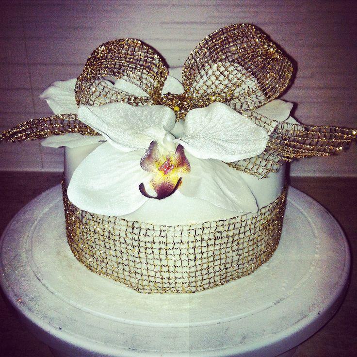 Orchidee cake with ganache cream