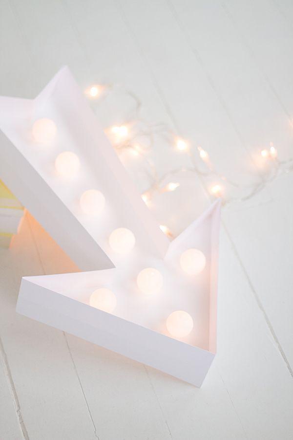 les 25 meilleures id es de la cat gorie enseigne lumineuse sur pinterest palettes de couleurs. Black Bedroom Furniture Sets. Home Design Ideas