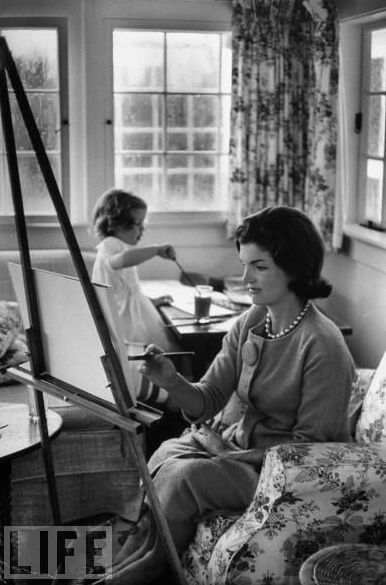 When I was 7 ...Jackie Kennedy Onassis painting with daughter Caroline. September