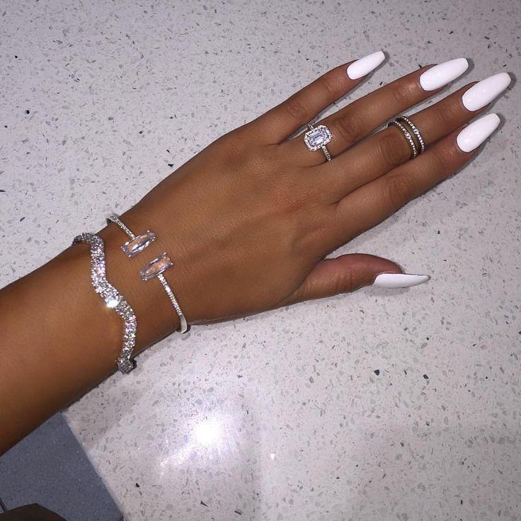 Pinterest: dopethemesz ; bougie glam aesthetic ⊰ | White ...