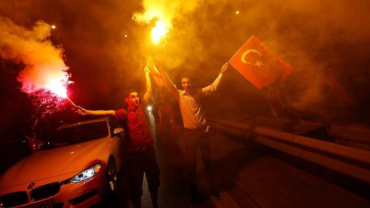 Erdogans absurde Hatz auf Gülenisten: Selbst Autokennzeichen machen verdächtig